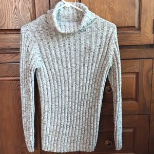 Woman's size medium Sonoma sweater
